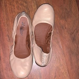 Lucky flats sz 7.5 champagne 🍾 pink